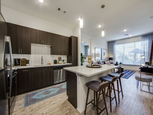 monarch-medical-district-apartments-fort-worth-tx-building-photo
